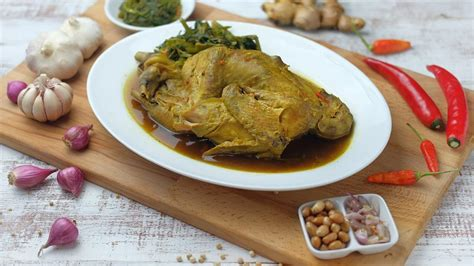 Resep ayam betutu khas pulau bali ini bisa anda jadikan salah satu variasi masakan di rumah anda. Resep Ayam Betutu Khas Bali dan Cara Pengolahannya yang Unik