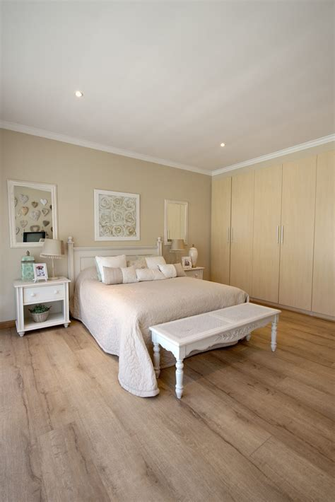 House O   Inovar Floor
