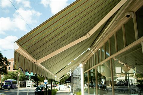 choose   color   retractable awnings