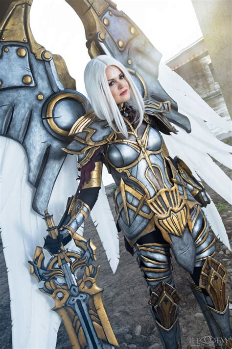 Uriel from Darksiders Cosplay