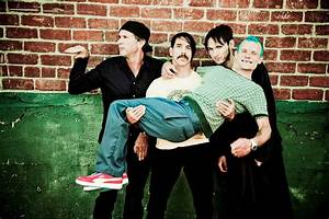 Red Hot Chili Peppers vs Foo Fighters