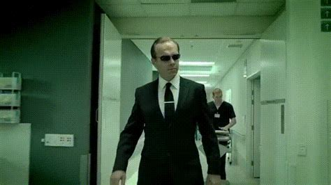 hugo weaving ge commercial hugo weaving returns to playing the matrix s agent smith