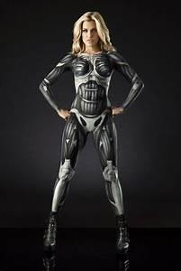 Future war, what it is good phwoar? asks Crysis skin-paint ...