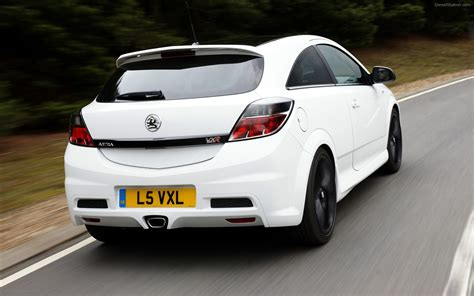 vauxhall vxr vauxhall astra vxr 2011 widescreen exotic car image 04 of