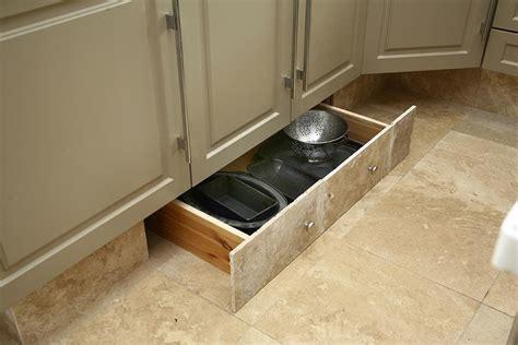 tiroir de cuisine sur mesure comment aménager une cuisine 7 trucs et astuces