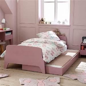 Deco Vieux Rose : une chambre de fille rose le kitsh aux oubliettes deco cool ~ Teatrodelosmanantiales.com Idées de Décoration