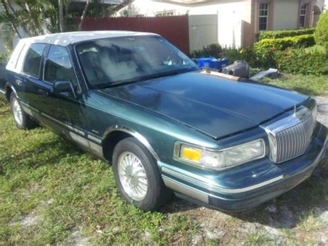 electronic stability control 2011 lincoln town car electronic toll collection buy used signature series jack niklaus edition special in pompano beach florida united states