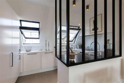cuisine appartement parisien cuisine avec verrière intérieure 6 exemples réussis