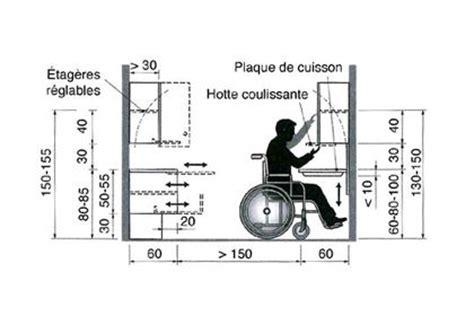 cuisine pour handicapé une cuisine aménagée pour un fauteuil roulant côté maison