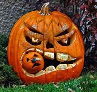 cool halloween decorations 90 Cool Outdoor Halloween Decorating Ideas | DigsDigs