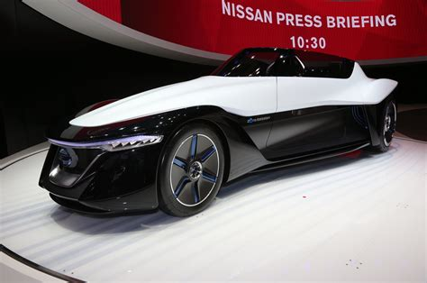 Nissan Bladeglider Concept Front Three Quarters Photo 1