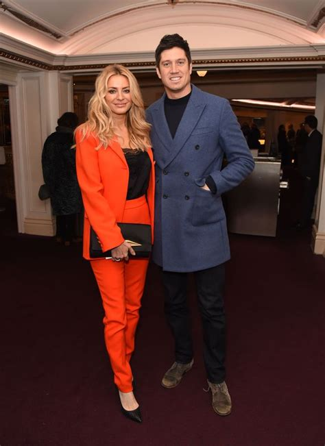 Vernon Kay spotted wearing 'romantic surprise gift' wife ...