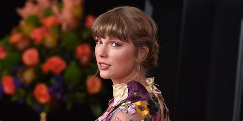 Taylor Swift Shares New Song