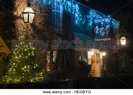 the falkland arms pub in the cotswold village of great tew