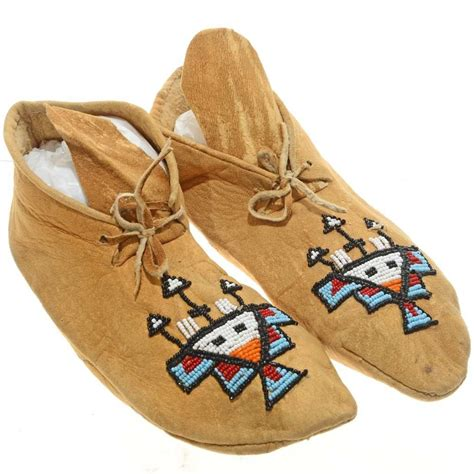 plains indian beaded moccasins  sinew hand sewn sz