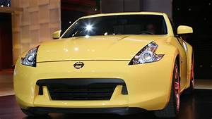 Nissan 370z Features Rev Matching Manual Transmission