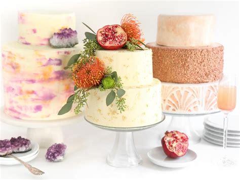 3 Trendy + Easy Ways To Decorate A Plain White Wedding