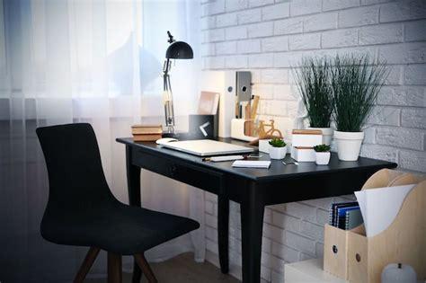 decorer bureau au travail comment d 233 corer bureau au travail ou 224 domicile inspiration et conseils en 73 photos obsigen