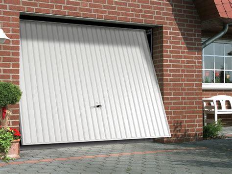 porte de garage basculante castorama porte garage basculante gsl 200x240 cm castorama