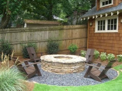 1000 ideas about pea gravel patio on backyard