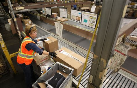 Canada Post offers $5 million to end shipping charges ...