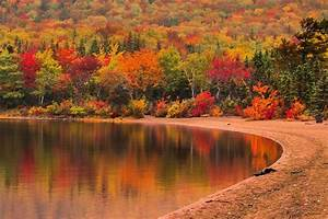 10, Places, In, Canada, With, The, Most, Breathtaking, Fall, Colours