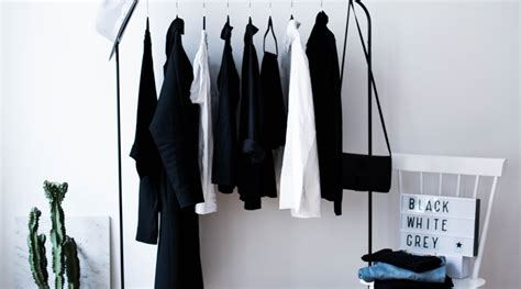 how to build a curated minimal wardrobe to create