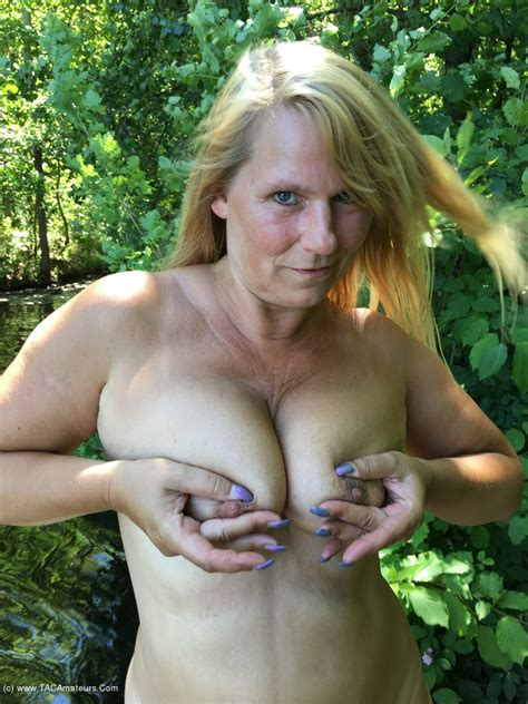 sweet susi nude and hot in the forest gallery