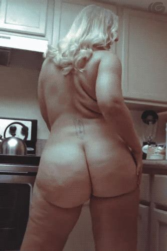Sexy Mature BBW Wife Teasing In The Kitchen Pics