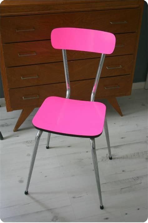 relooker chaise relooker une chaise déco vintage fluo et pop