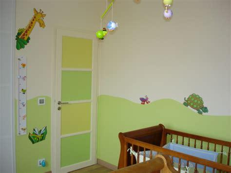 chambre peinture 2 couleurs decoration chambre bebe fille gris et