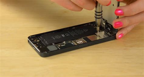 change iphone 5 battery how to replace the battery in iphone 5 in 10 minutes or