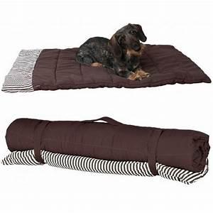carrelage design tapis pour chien moderne design pour With tapis design avec couverture canapé chien