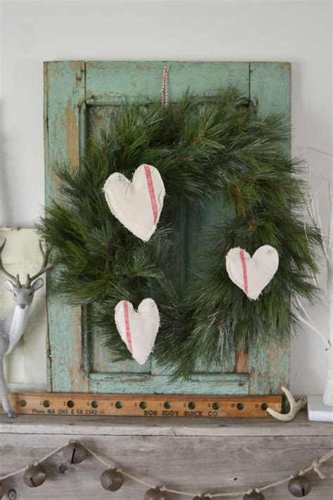 In 3 minutes, i'll show you how to create your own holiday wall art painting. 35 Best Christmas Wall Decor Ideas and Designs for 2021