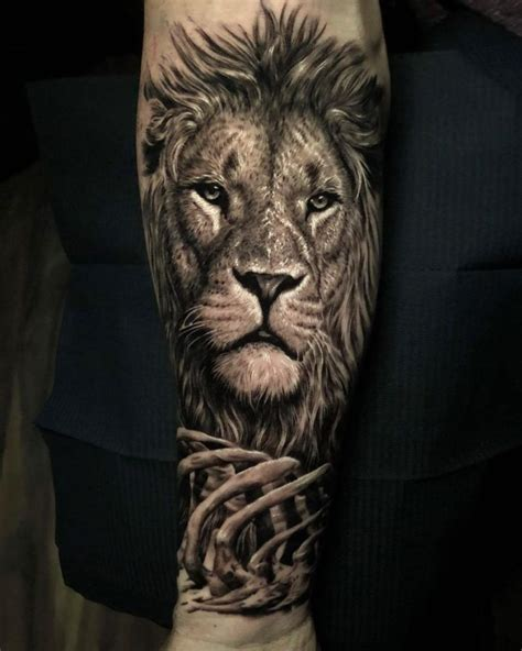 eye catching lion tattoos thatll