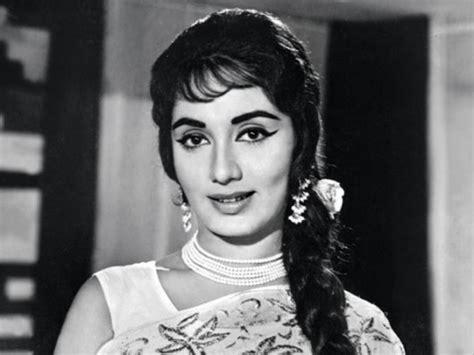 sadhna cut hair style five beautiful age indian of cinema we
