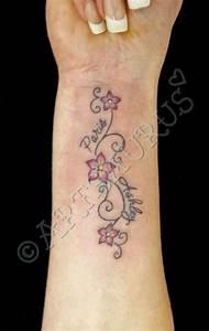 Sprüche Für Tattoos : bildergebnis f r tattoo kindername tatoos tattoo ideen kindernamen tattoo und tattoo vorlagen ~ Frokenaadalensverden.com Haus und Dekorationen
