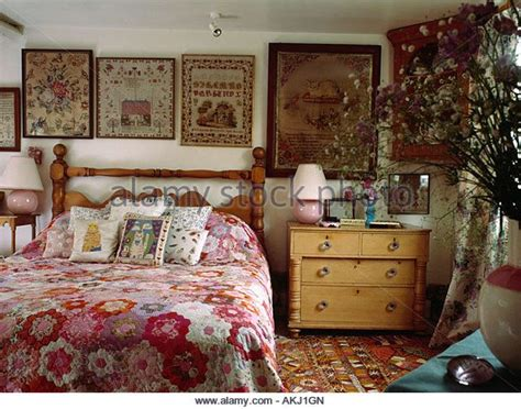 Bedroom Decorating Ideas Cottage by Best 25 Cottage Bedrooms Ideas On