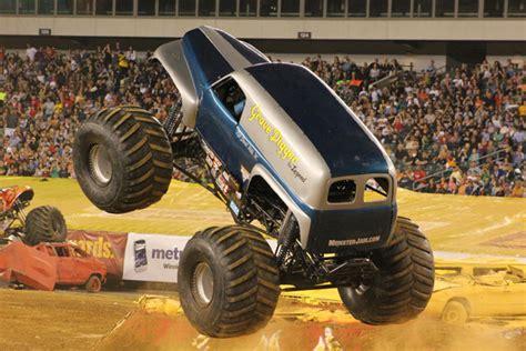 monster truck show in philadelphia philadelphia pennsylvania monster jam june 4 2011