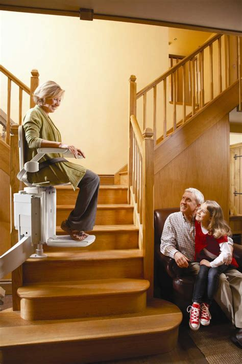 escalier pour personne agee installation de monte escaliers 233 lectriques par des professionnels 224 rennes mat 233 riel m 233 dical
