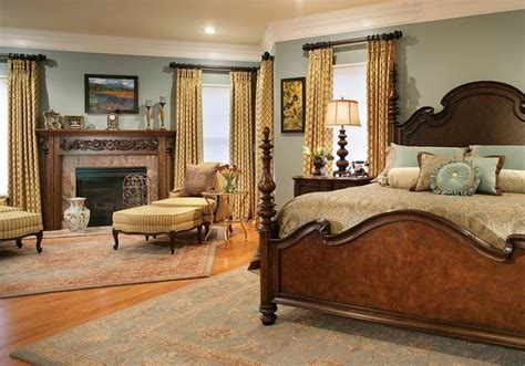 20 Antique Bedroom Design Decorating Ideas (with Pictures