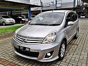 Download Gambar Mobil Grand Livina 2012