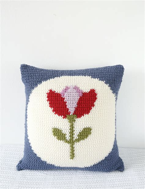 retro tulip cushion crochet pattern allcrochetpatterns net
