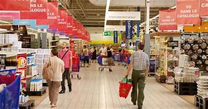 Today is the busiest shopping day of the year in the UK ...