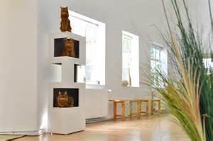 kratzbaum designer moderner kratzbaum the one die moderne katze