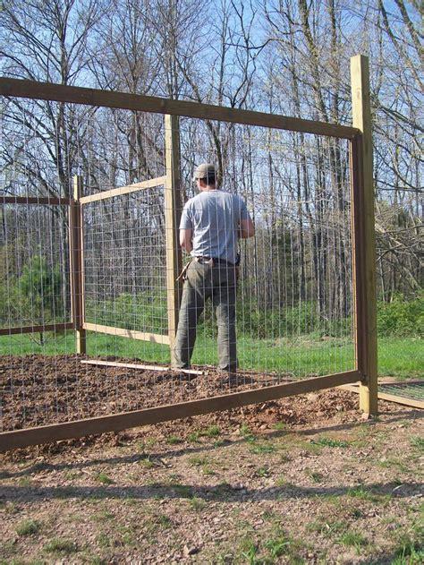 25 best ideas about vegetable garden fences on