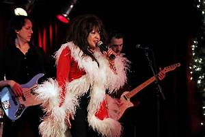 Ronnie Spector rocking Christmas at Mohegan Sun - New ...