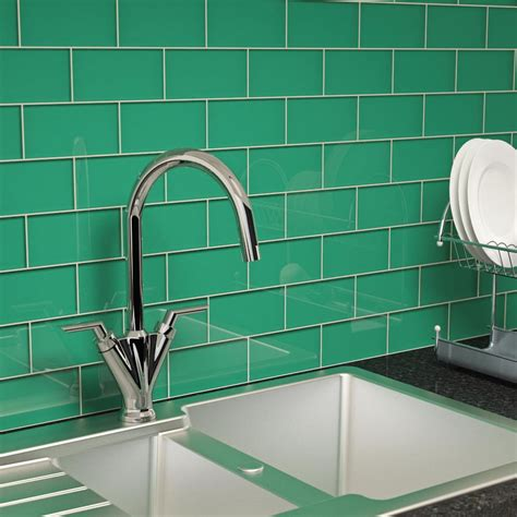 glass subway tile emerald green    piece subway