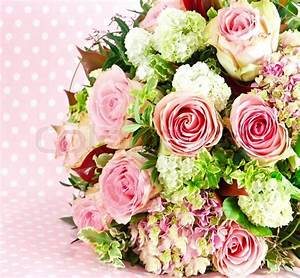 Beautiful flowers bouquet of pink roses   Stock Photo ...