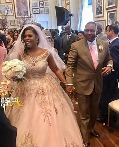 wedding shots omarosa manigault marries pastor john allen With omarosa wedding dress